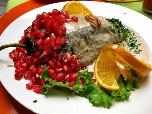 chiles en nogada veganos